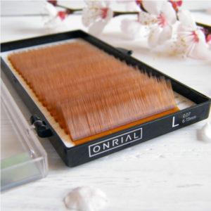 светло коричневые ресницы Onrial